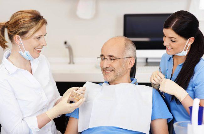 Conheça 8 benefícios do implante dentário