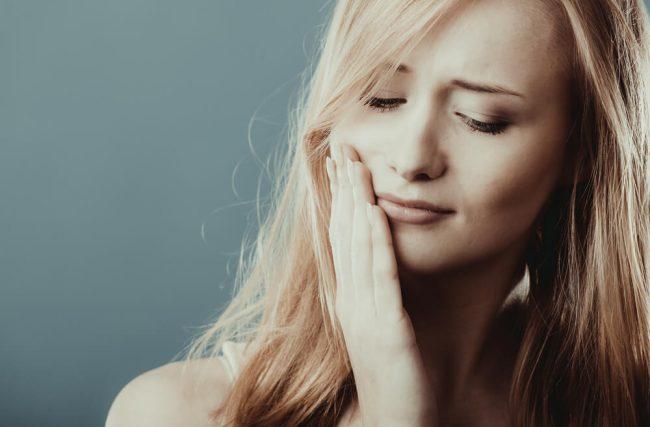 Dentes sensíveis: 4 dicas para evitar esse problema