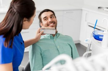 Clínica de implante dentário em BH: como escolher?