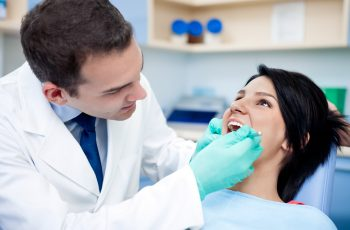 Dente siso: entenda o que é e quando é necessária a extração